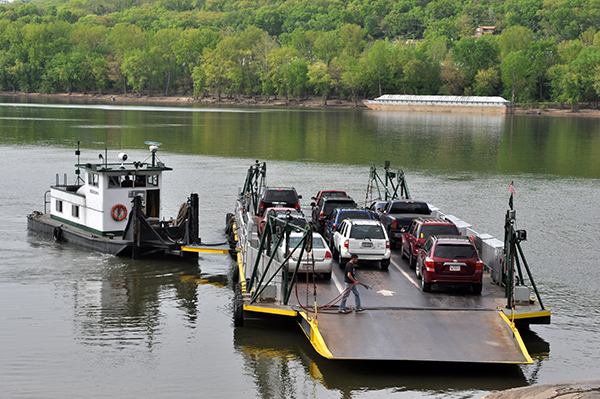 Anderson Ferry connects Northern Kentucky with Cincinnati via Route 8