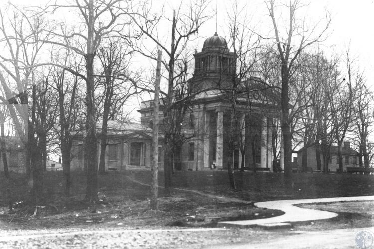 The Independence Courthouse in 1920, eight years after its opening.