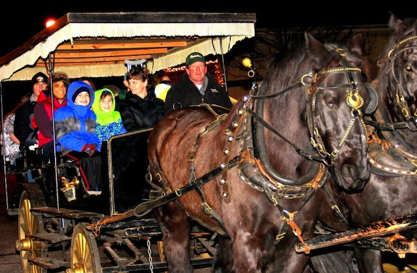 "Experience an ""Old Kentucky Christmas"" in Burlington Dec. 10-13"