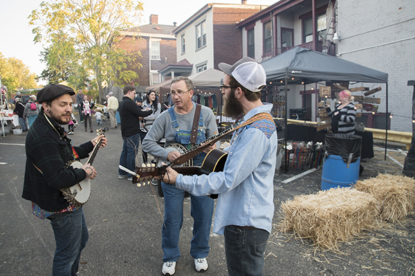 Local musicians jam at November Old KY Makers Market